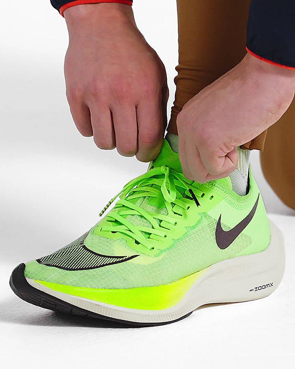 รองเท้ารุ่น Nike ZoomX Vaporfly NEXT%