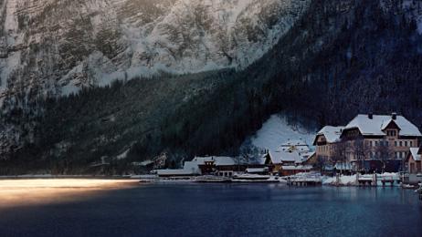 Hallstatt ทอดเวลาไปกับความโรแมนติกของหมู่บ้านเล็กในหุบเขา